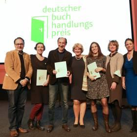Preisverleihung Deutscher Buchhadlungspreis, Gruppe beste Buchhandlung, © Bundesregierung / Zucchi.